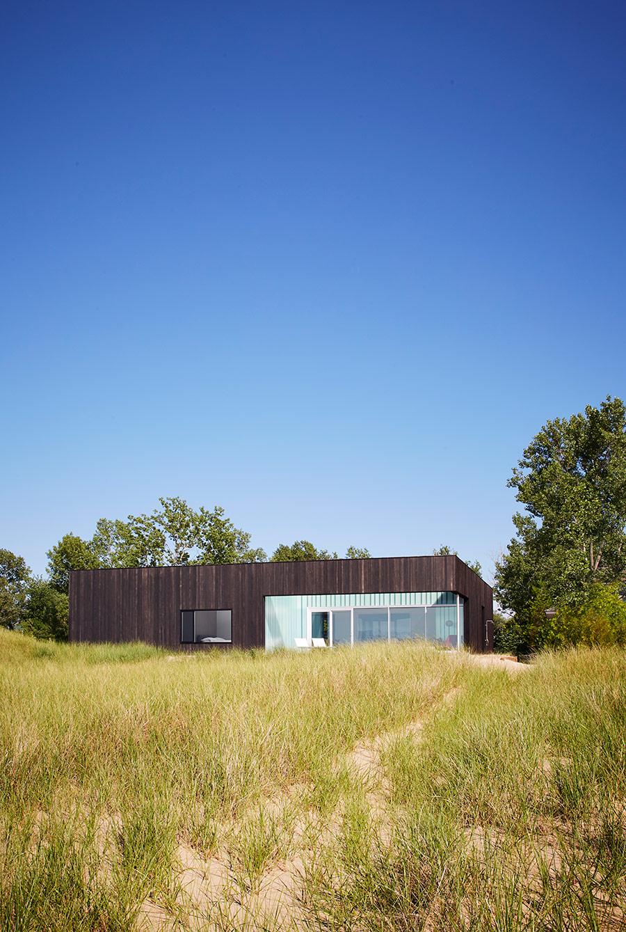John Ronan Architects modern Beach House Lake Michigan