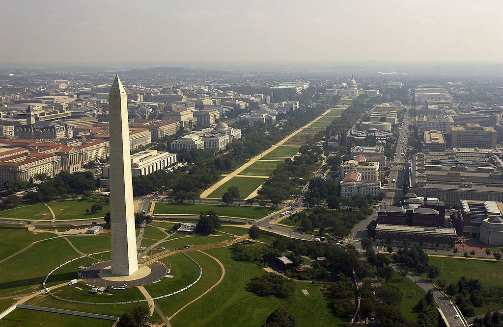 Aerial view of the Washington Monument|AIA Executive Vice President Robert Ivy's letter to U.S. Senators