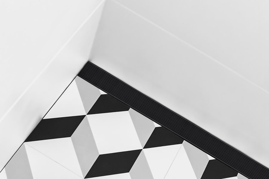 Matte Black Wedge Wire With Cubert Tile 1