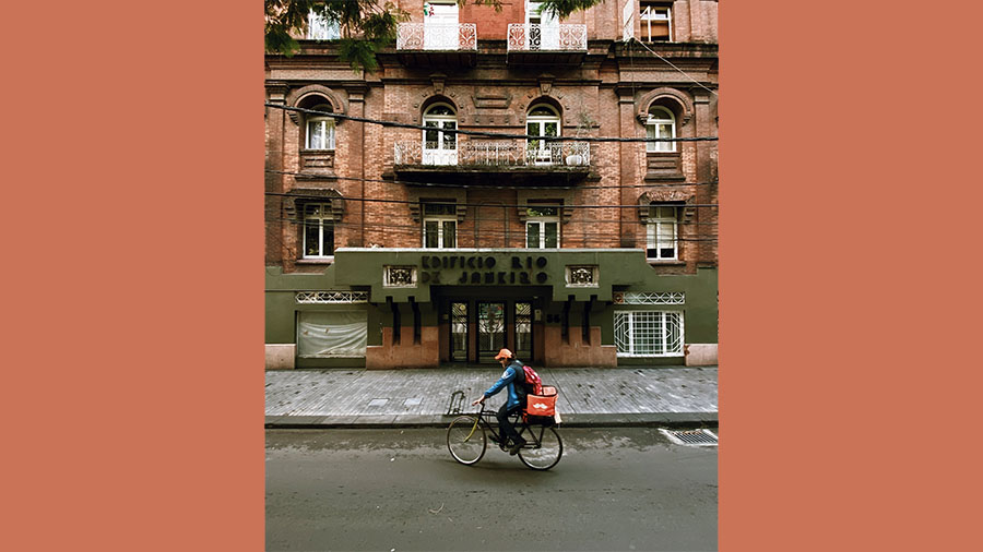 Reurbanofeature|La Met Food Delivery|Food delivery in Mexico City during COVID-19||Encausa