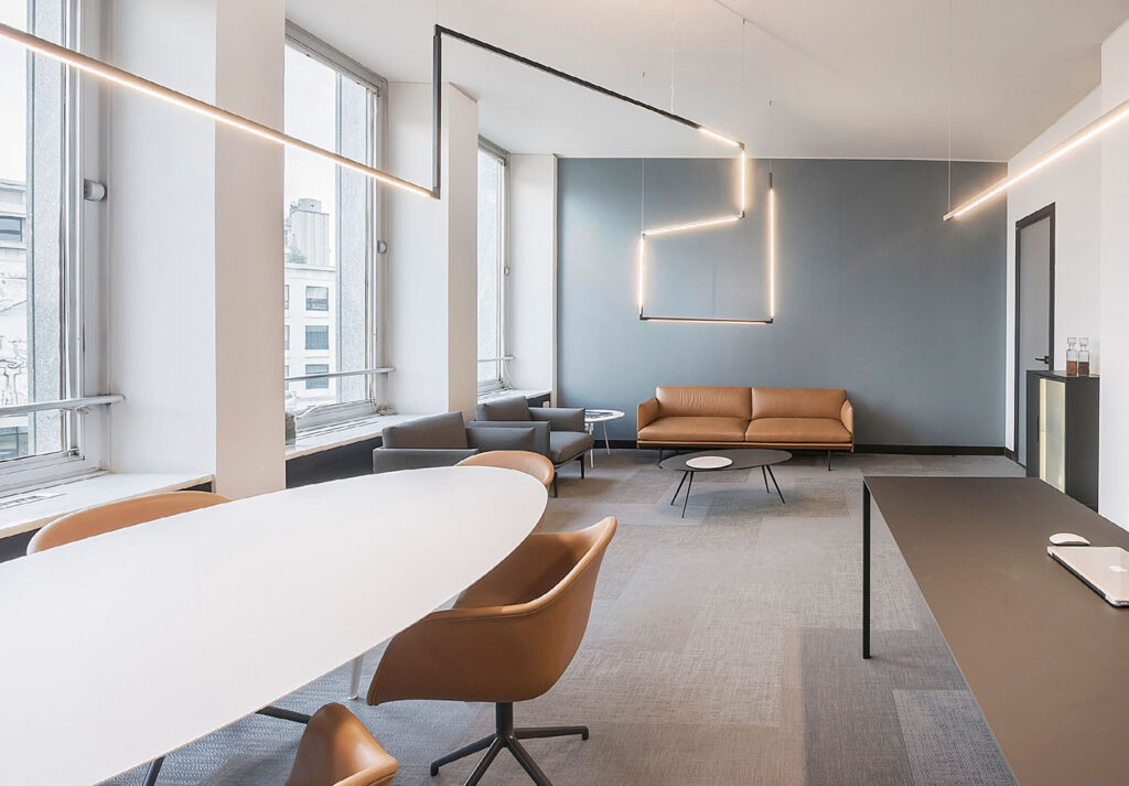 An office with Nemo's linescapes lighting system overhead